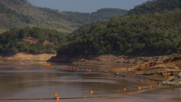 Artesian wells are alternative solutions to withdrawing water from the Doce River