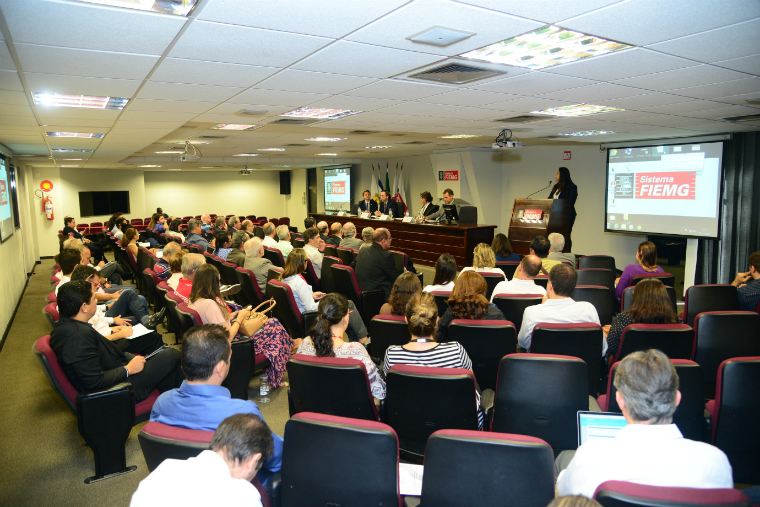 During the seminar, Minas-Israel forms of cooperation were discussed to recover the Doce River.