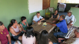 Paracatu community participates in meetings on the reconstruction of the district