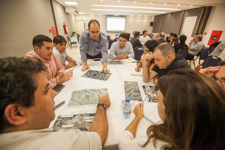 Workshop facilitates discussions on new techniques of dredging and tailings management in Candonga.