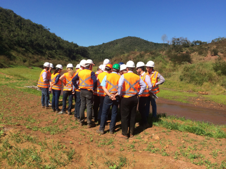 The Board of Governors of the Renova Foundation visits the recovery area of the Gualaxo River, tributary of the Doce River.