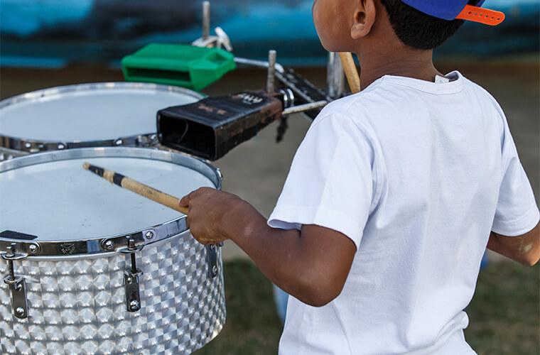 Comunidade de Gesteira participa de projeto de música.