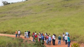 Paracatu families from low in view to the terrain options for the reconstruction