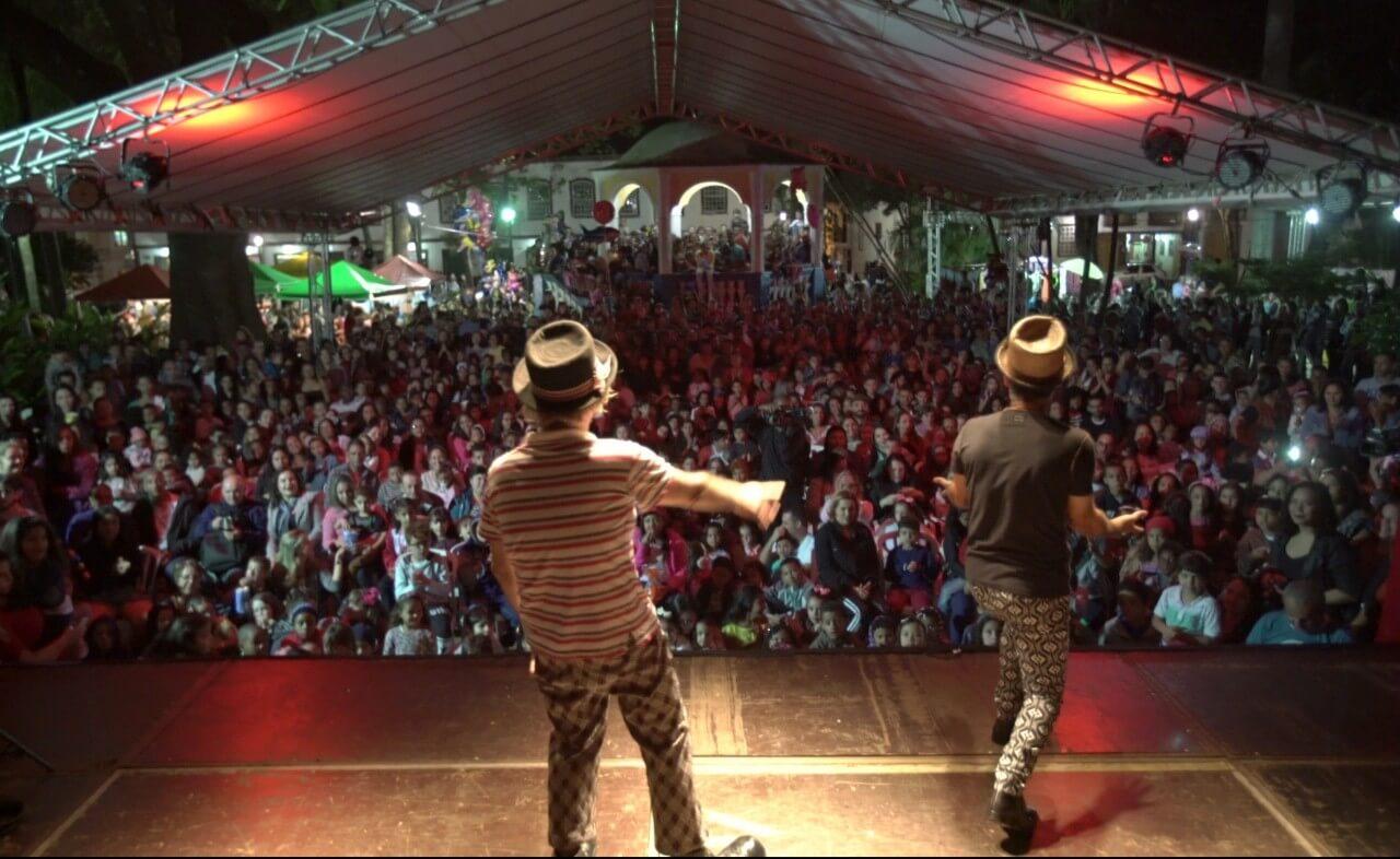 A população da cidade lotou a Praça Gomes Freire na primeira edição do evento | Foto: Marcelo Nicolato