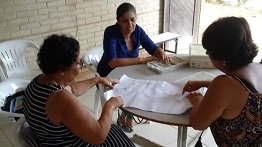 CONSULTING STRENGTHENS HANDICRAFTS IN DOCE RIVER MOUTH COMMUNITIES