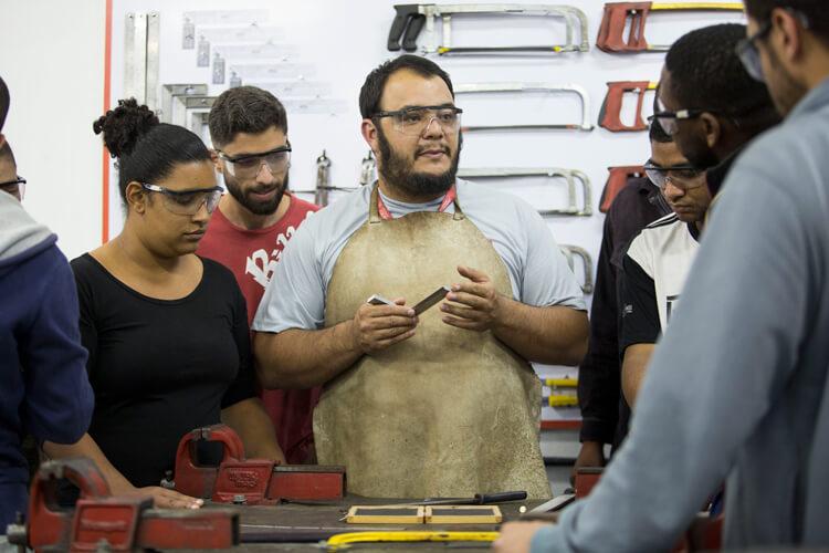 Curso de capacitação em Mariana (MG), em parceria com o Senai. Foto: Gustavo Baxter/Nitro Imagens.